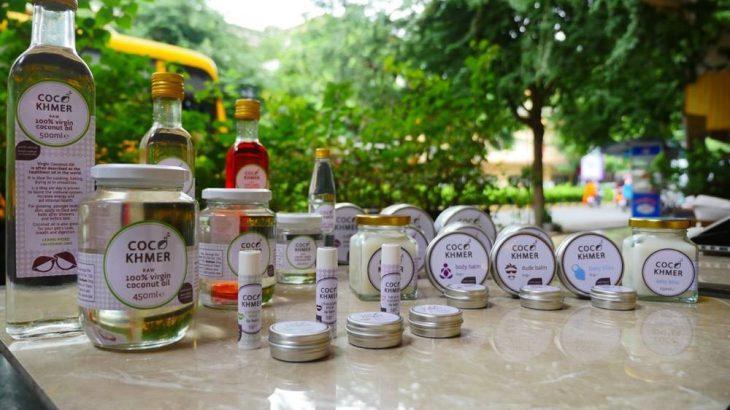 カンボジア産のココナッツオイルで作られたバーム